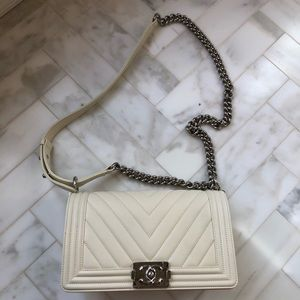 Boy Chanel bag medium (Ivory)